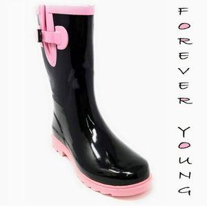 Rain boots, to narrow for me Reposh